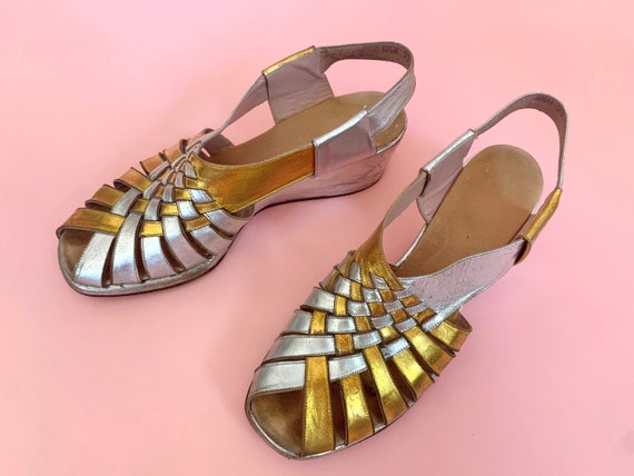 1940's Gold & Silver Sandals - Vintage 40's Two T… - image 3