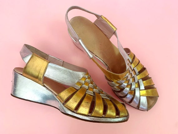 1940's Gold & Silver Sandals - Vintage 40's Two T… - image 5