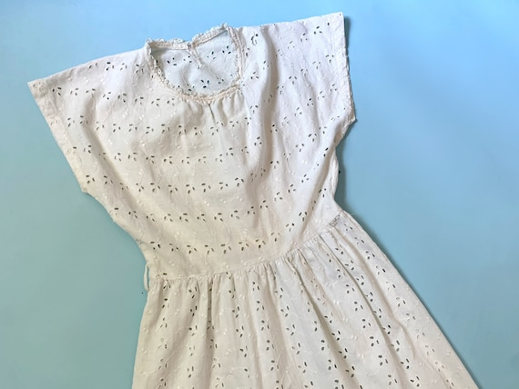 1940's Dress - Vintage 40's White Cotton Eyelet Em
