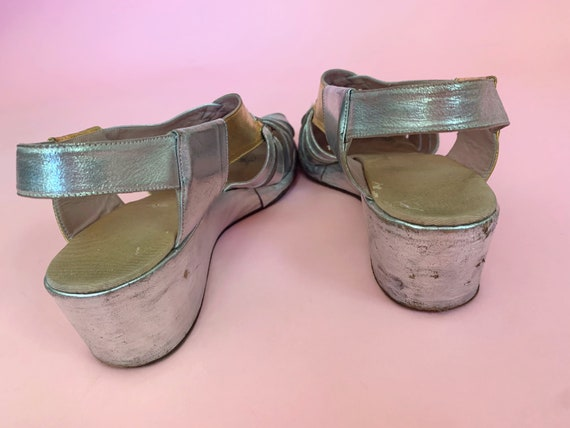 1940's Gold & Silver Sandals - Vintage 40's Two T… - image 9