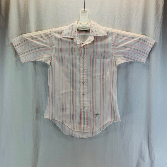 Small 1970s Rainbow Stripe Shirt Short Sleeve Button Down Casual Day Wear Patch Pockets Spring Summer 70s Vintage