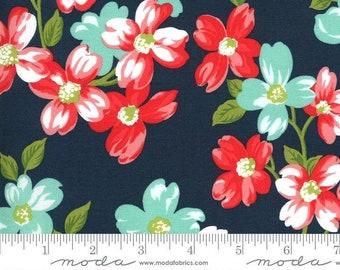 Sunday Stroll by Bonnie & Camille for Moda Fabrics – Large White Navy Flower Yardage - MODA FABRIC