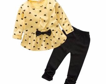 Herz Form Plump 2018 Happy New Year Baby Mädchen Kleidung Set Bogen süßen Kindern Hose und Tshirt-Tuch