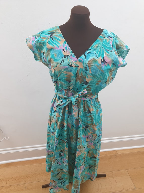 Floral 1980s Classic day dress