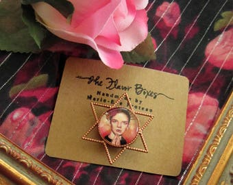 Personalized brooch