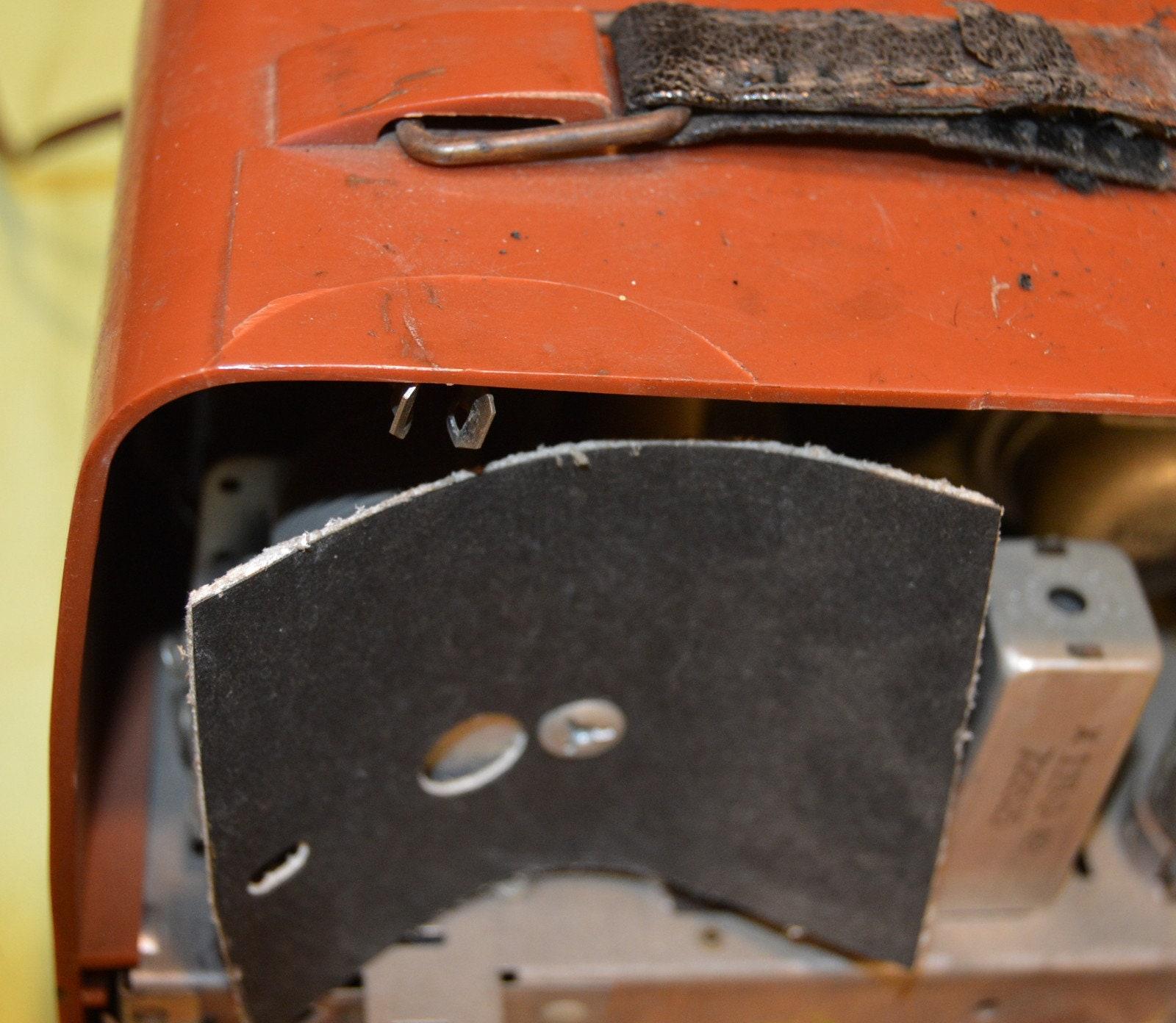 1950's Portable Vacuum Tube Radio Emerson Model 646B Radio