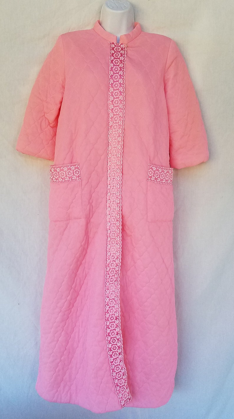 Vintage Komar Quilted Embroidered Robe Dressing Gown Pink Medium