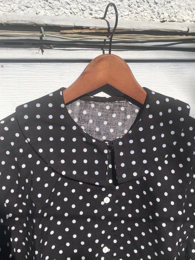 Black and white polka-dot cropped button up shirt with big collar