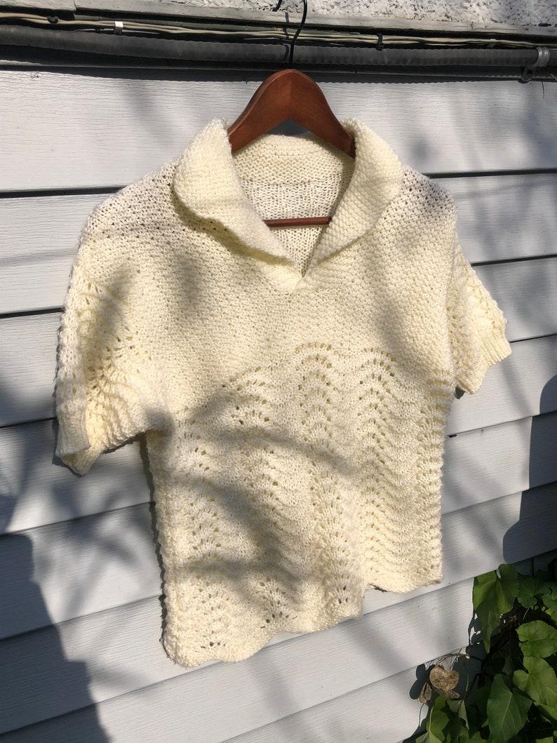 Vintage knit top with scalloped hem