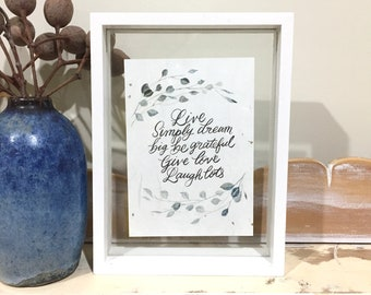 Live simply - small frame