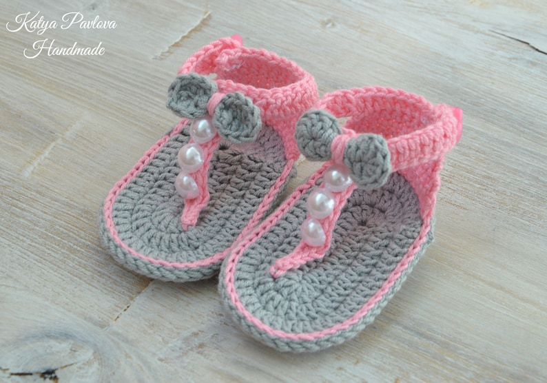 23b6c4d1cfaa4 Crochet baby girl sandals Slides shoes Knit newborn Bow flip flops infant  Summer barefoot sandles in a box Niece gift from aunt New mom gift