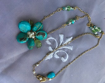 Vintage Turquoise flower pendant Necklace with Free matching Earrings