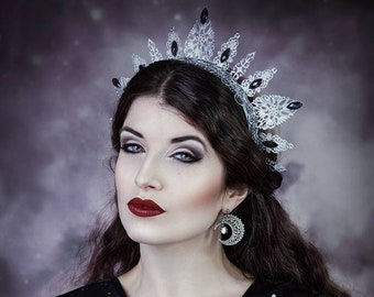 Metal lace filigree crown Jewel Queen Crown with emerald green rhinestones. Gothic Queen Halo Headpiece Black and green crown tiara