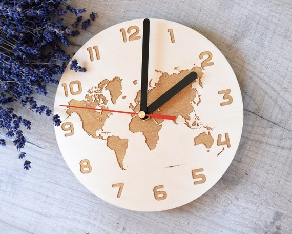 Pared de madera gran reloj mapa del mundo grabado colgante hecho a mano Eco reloj madera láser corte grabado limpiado pulido personalizado