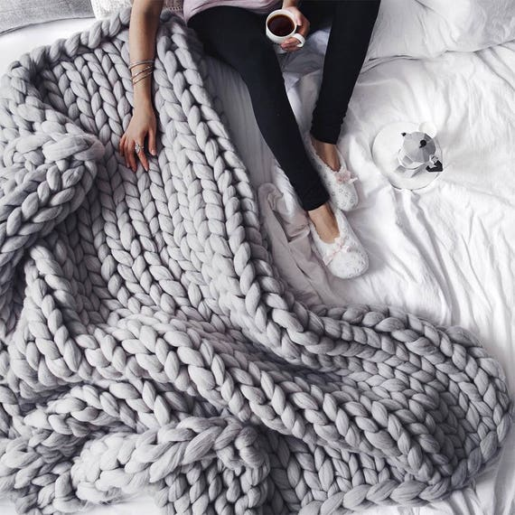 Love this chunky knit blanket