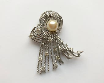 14K White Gold Pearl and Diamond Pin