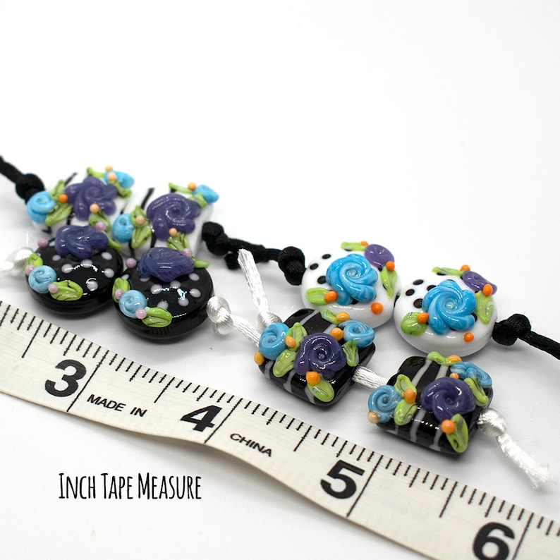 Floral Black /& White Dotted Lampwork Bead Pair 26