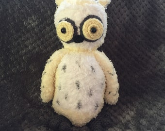 Silo the Snow owl from Hiboutique