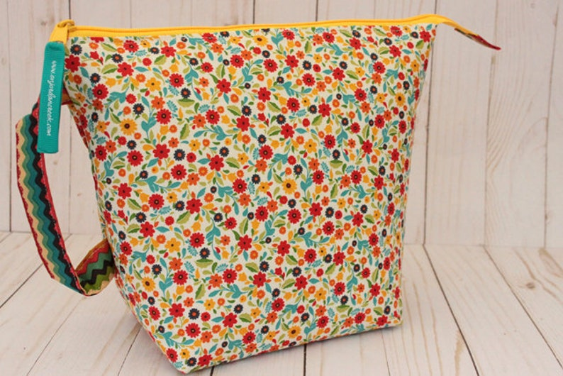 Medium Multi-Color Floral Project Bag Knitting Bag image 0