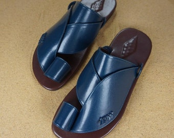 8ffc53a1ce1 Men s vegan leather sandals ~ SandCruisers ~Traditional Arabian sandals ~  Great for outdoors