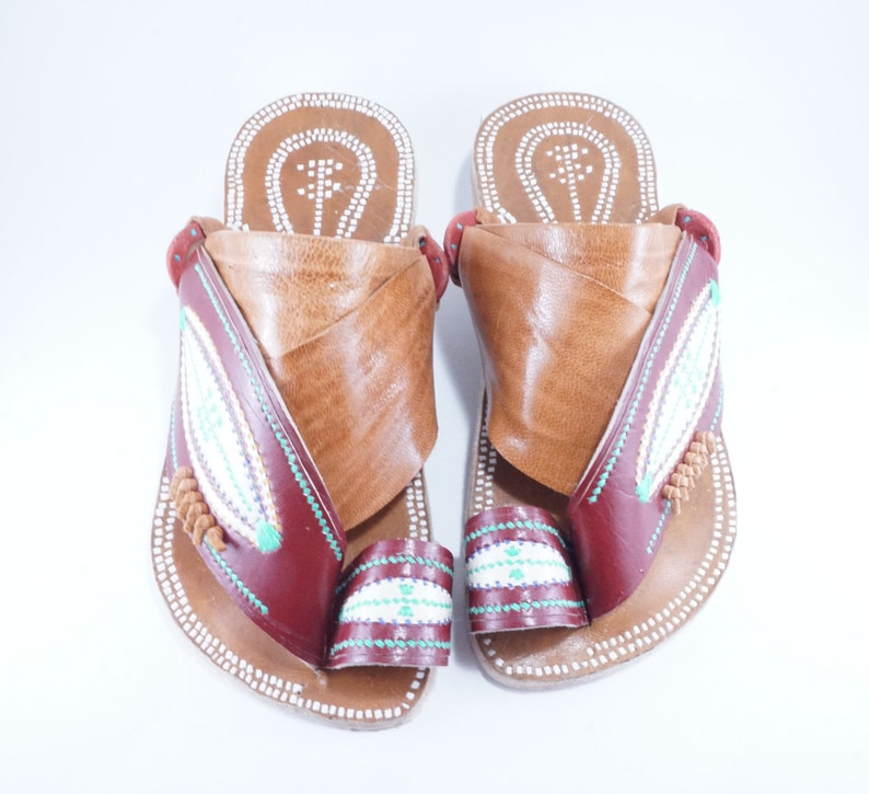 6d816de42586f Women's leather sandals, traditional Arabian sandals, Great for outdoors,  parks, beaches, and Earthing!