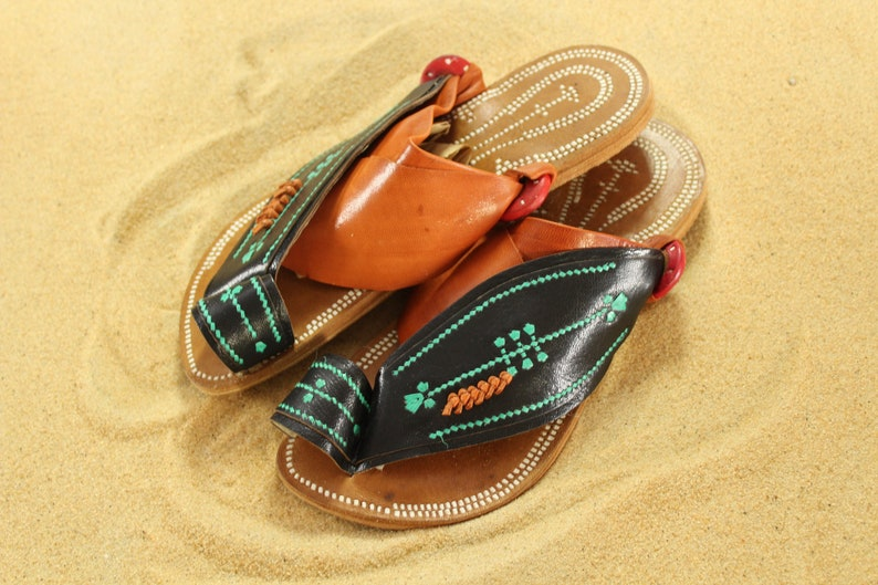 17803e423cba5 Women's leather SandCruisers handmade sandals ~ Traditional Arabian sandals  ~ Great for Earthing, beaches, pool days, parks, and outdoors!
