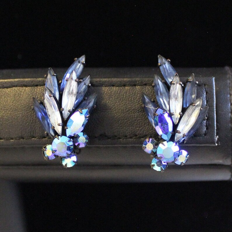 Vintage Regency Japanned Blue Navette Parure