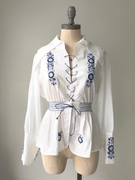 Vintage Hungarian blouse - 1970s Hungarian top - V