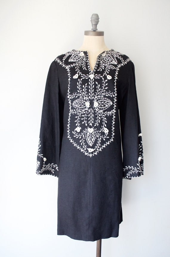 Vintage kaftan - 1960s Embroidered Kaftan Dress -