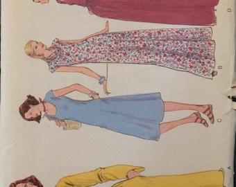Vogue Vintage Pattern 9976 Size 20 1/2 Unused and uncut