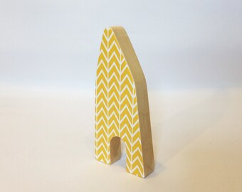 Little wooden house (yellow)
