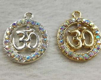 Art & Craft Supplies 1 Chakra om pendant M229 Jewellery Making Charms & Pendants