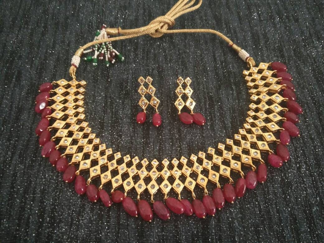 296b00062a81d Red and white Jadua set hand assembled choker necklace, Indian punjabi  bridal, muslim pakistani nikah, Desi wedding, jadavi hyderabadi set