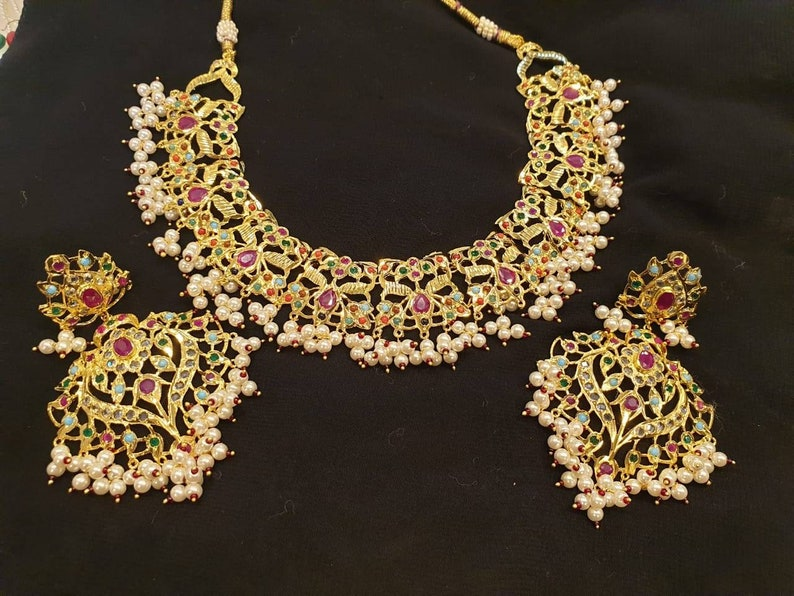 a50187cfde96a Traditional Indian handmade Hyderabadi set, choker necklace, punjabi bridal  set, pakistani nikah, Indian jewellery, Desi wedding