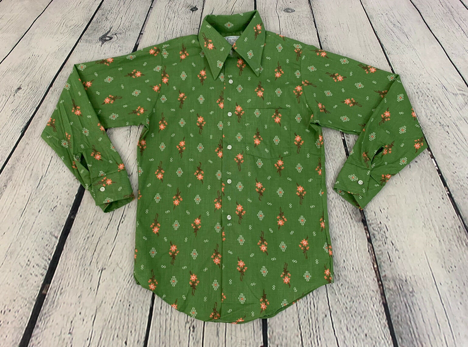 1970s Mens Shirt Styles – Vintage 70s Shirts for Guys 1970S Vintage Deadstock Mens Green Multi Color Floral Abstract Pattern Button Front Long Sleeve Dress Shirt Size 14 14.5 $0.00 AT vintagedancer.com
