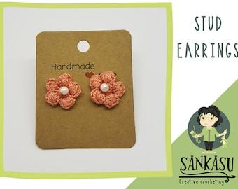 cute flower stud earrings / small crocheted earrings