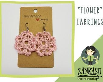 cute flower earrings / floral jewlery / crocheted earrings