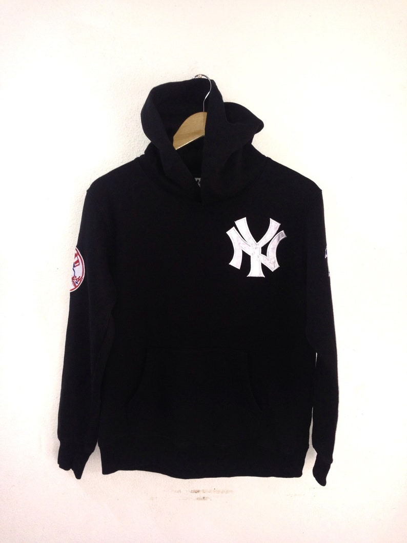 hot sale online 8f9c5 7cdb6 On Sale!!! Yankees Hoodies/ New York Yankees hoodies/American  Baseball/Yankees team/Black colour/Medium size/Majestic athletic