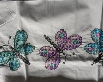 2 Standard pillow cases with Butterflies