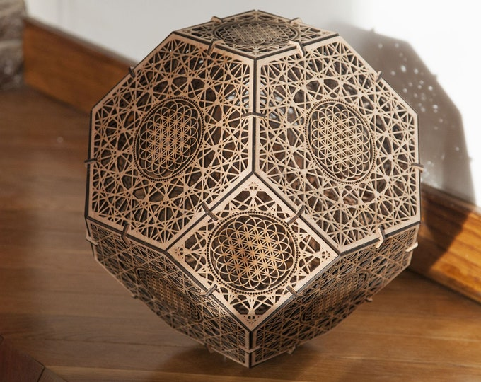 Wooden lamp suspension or to lay- Shadow projection - Sacred geometry flower of life. Crafting. Laser cutting.