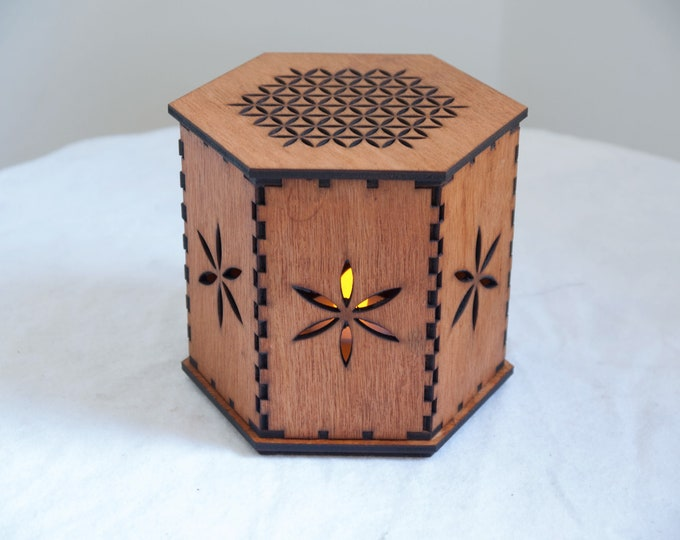 Flower of life wooden box - sacred geometry - Lantern - Jewelry box - Craftsmanship.