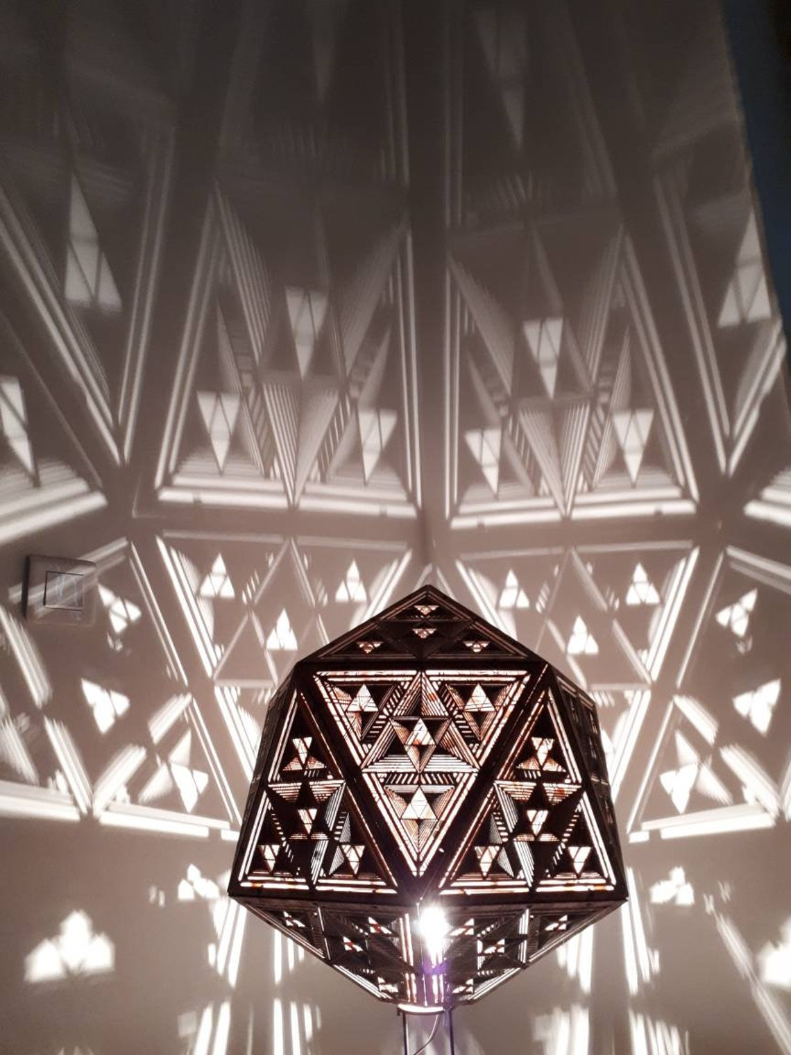 Wooden suspension lamp, platonic shape icosahedron with fractal optical illusion drawing - laser cut.