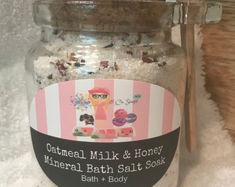 Oatmeal Milk & Honey | Mineral Bath Sea Salt Soak | Powdered Bath Bomb | Therapeutic |