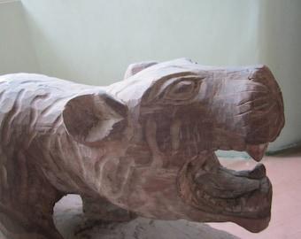 Tigre sculpté de Nagaland, Inde