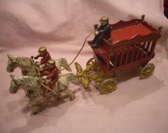 Rare Original 1930's? Kenton OVERLAND CIRCUS  Horse Drawn Wagon with Driver  + 2 Riders, Made USA