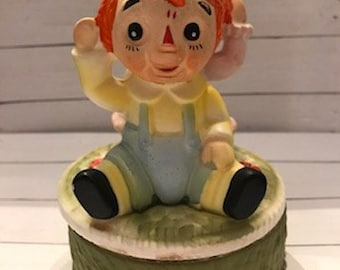 1960's Raggedy Ann and Andy Music Box Figurine, Collector's Piece, Vintage Characters