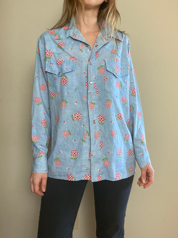 1970s Chambray Pearl Snap Button Up with Gingham … - image 7