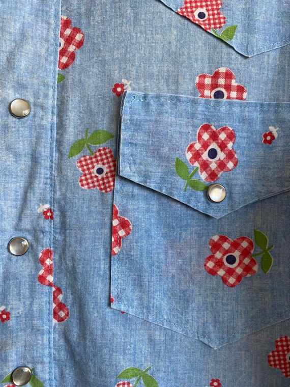 1970s Chambray Pearl Snap Button Up with Gingham … - image 8
