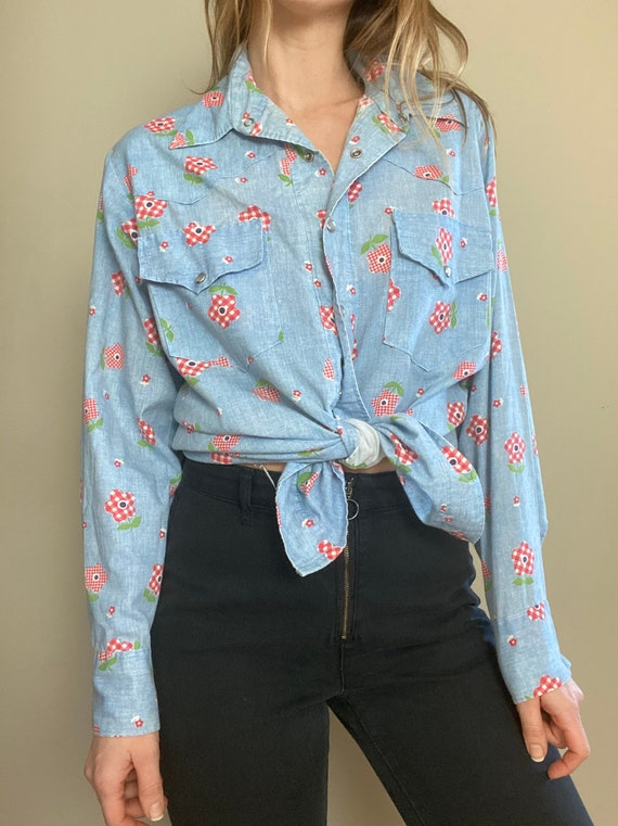 1970s Chambray Pearl Snap Button Up with Gingham … - image 2