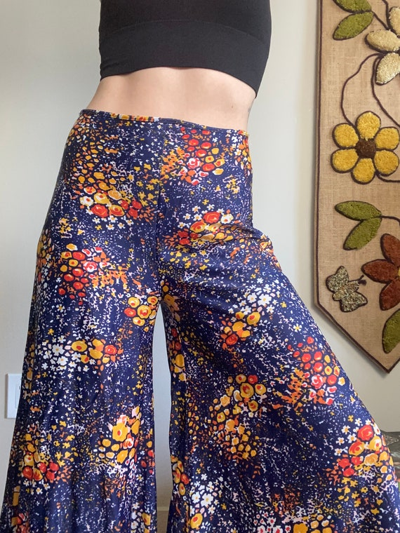 1970s Psychedelic Navy Blue Palazzo Pants - image 5